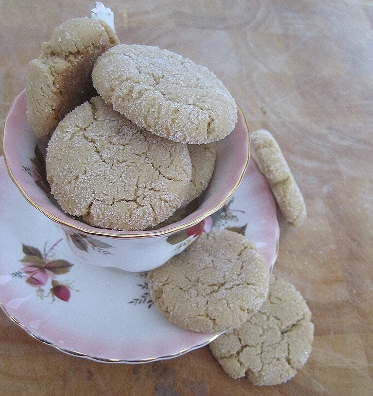 sesame cookies in a tea cup
