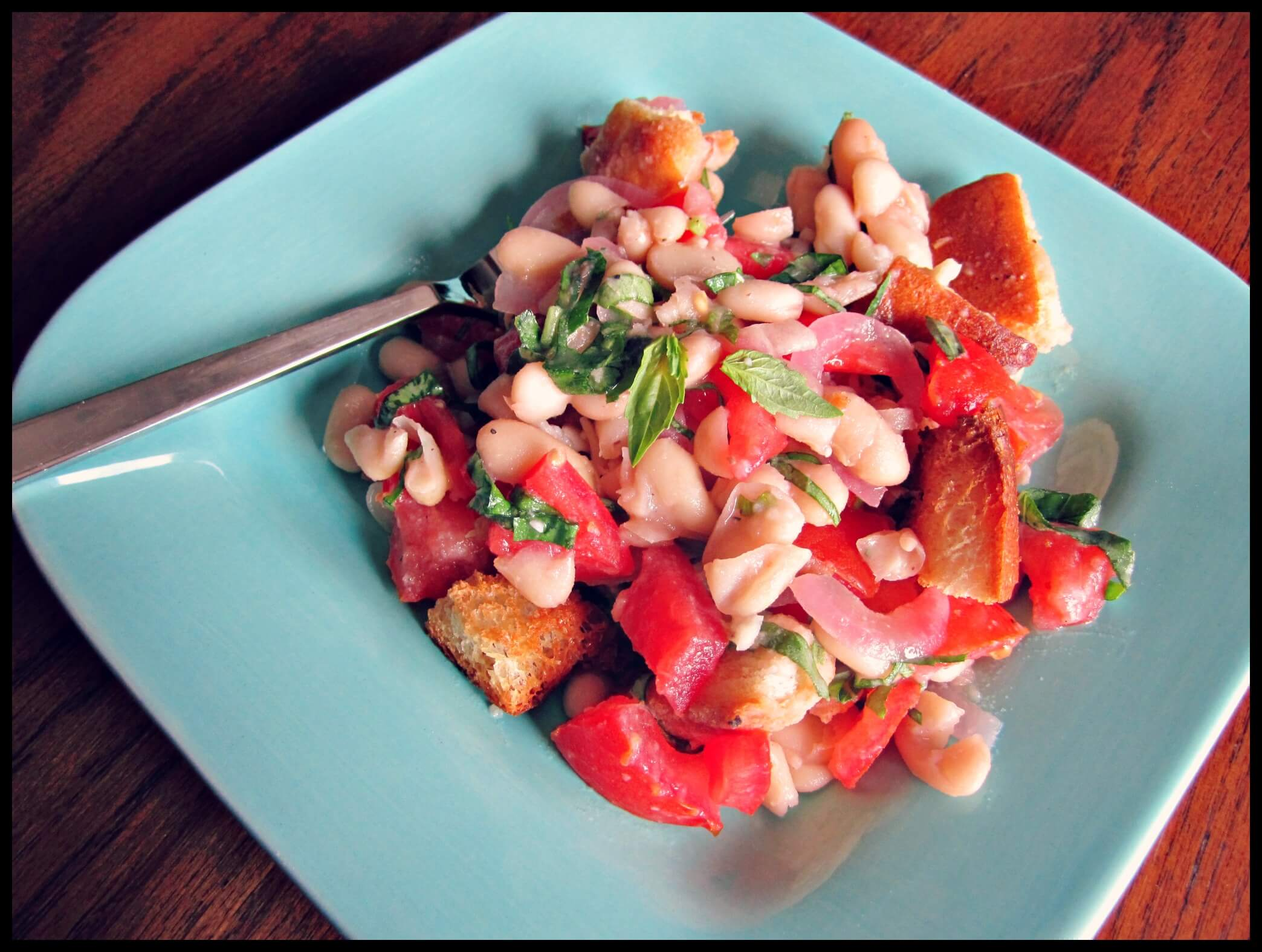 Panzanella: Bread Salad with Bends and Tomato | www.infinebalance.com #salad #recipe #vegetarian