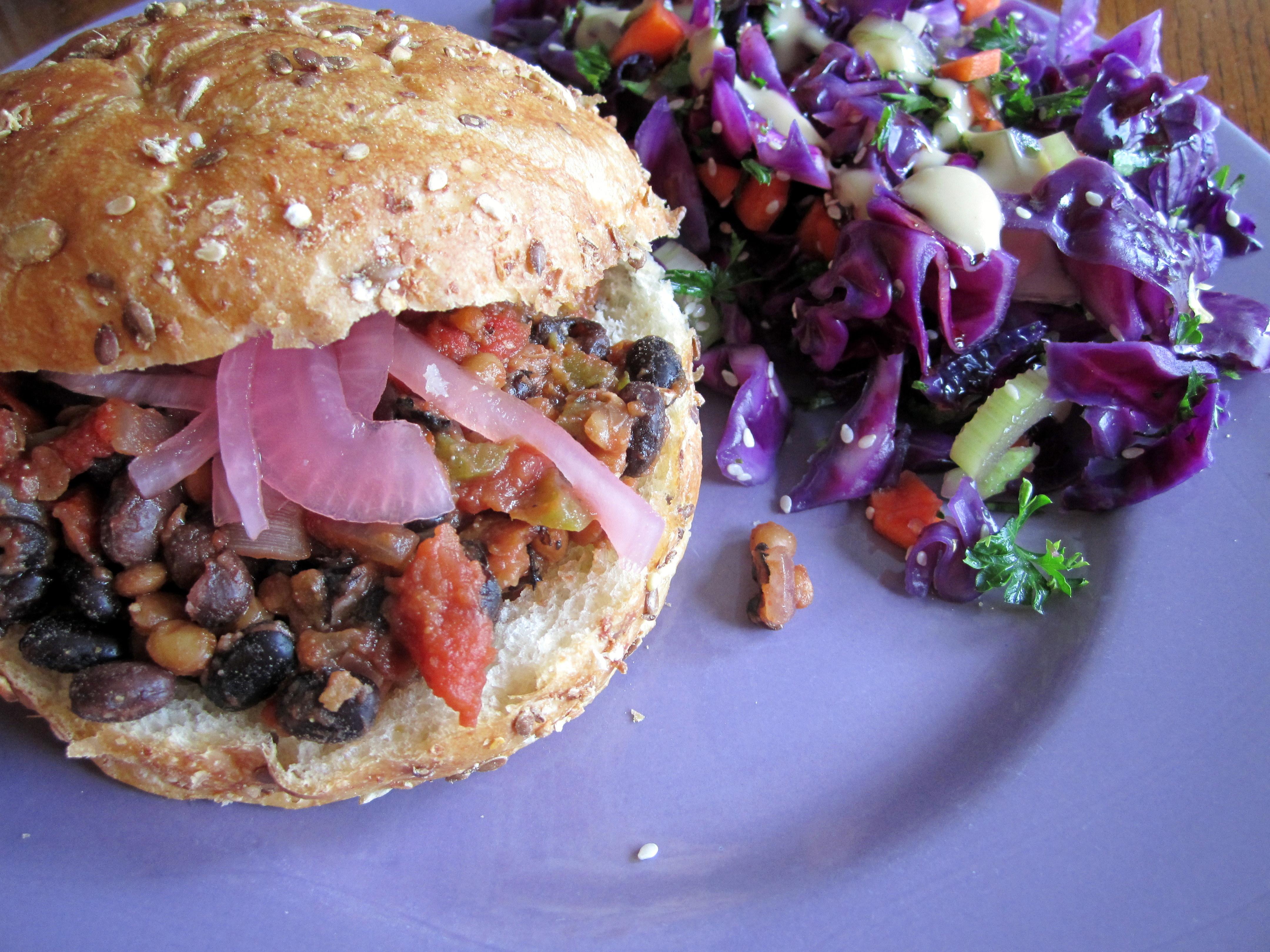 sloppy zoe, a vegan vegwich
