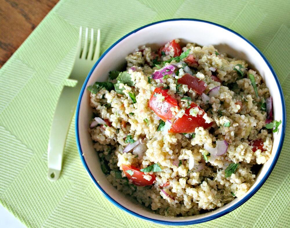 Quinoa and Avocado salad | www.infinebalance.comQuinoa and Avocado salad | www.infinebalance.com #vegan #salad #quinoa