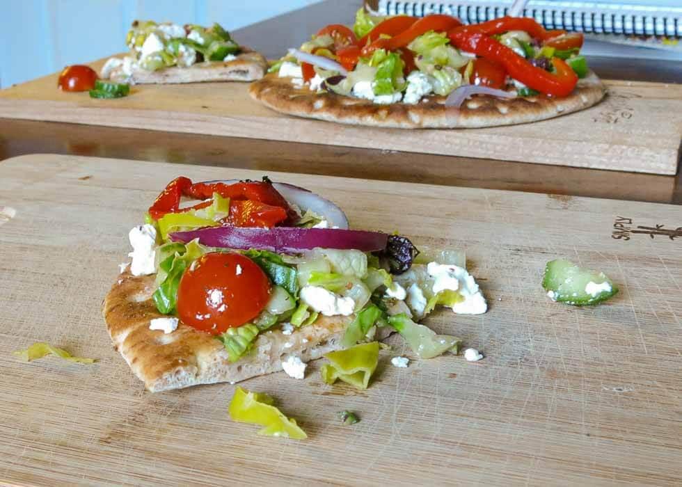 greek salad pita pizza