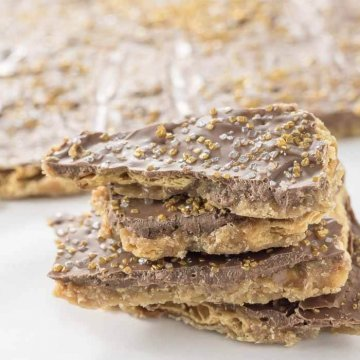 Christmas Crack - the easiest holiday treat. Chocolate and Toffee