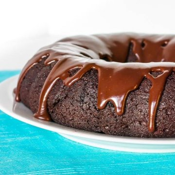 chocolate cake with chocolate glaze