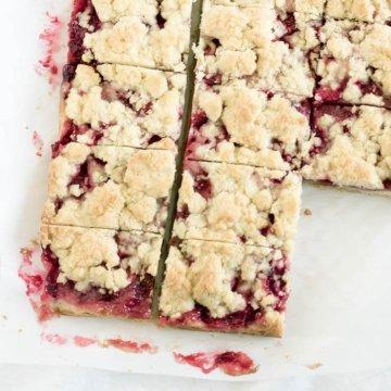 Strawberry Crumb Bars   The infinebalance food blog #recipe