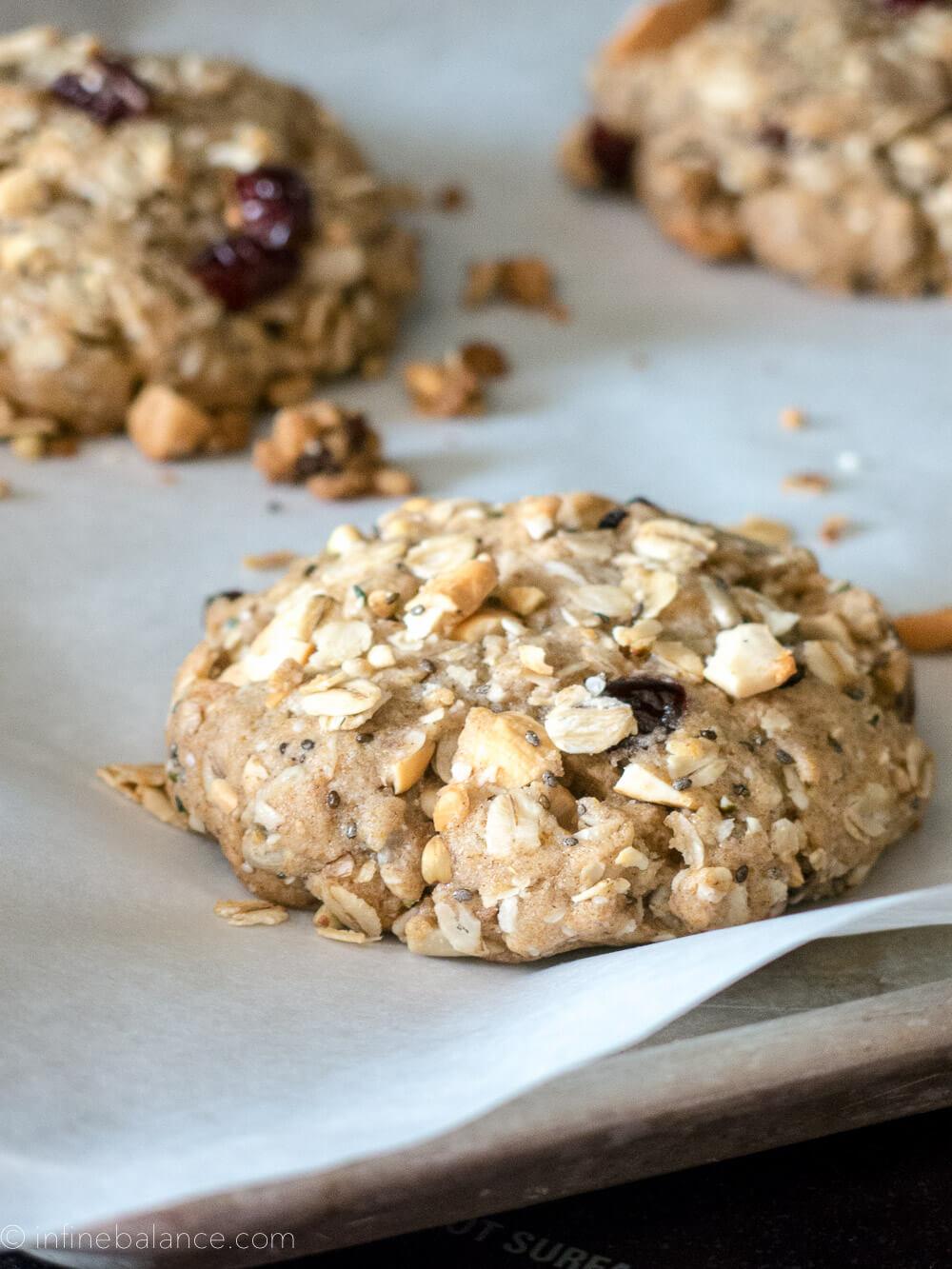 cashew and cranberry breakfast cookies
