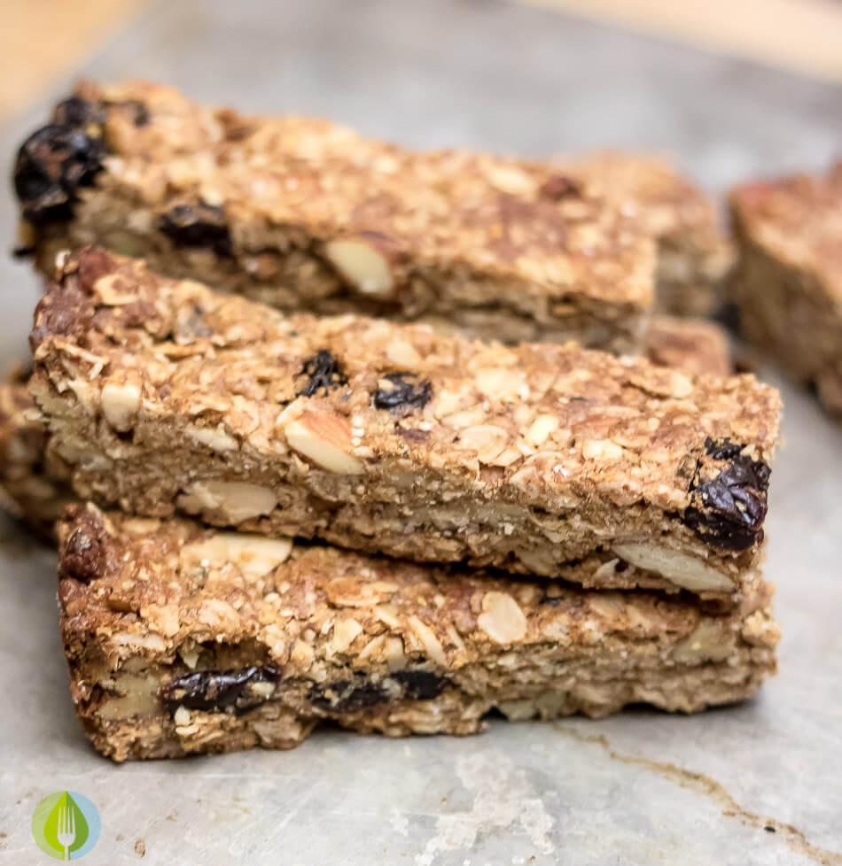 Almond and Cherry Granola Bars | www.infinebalance.com #vegan #gluten-free