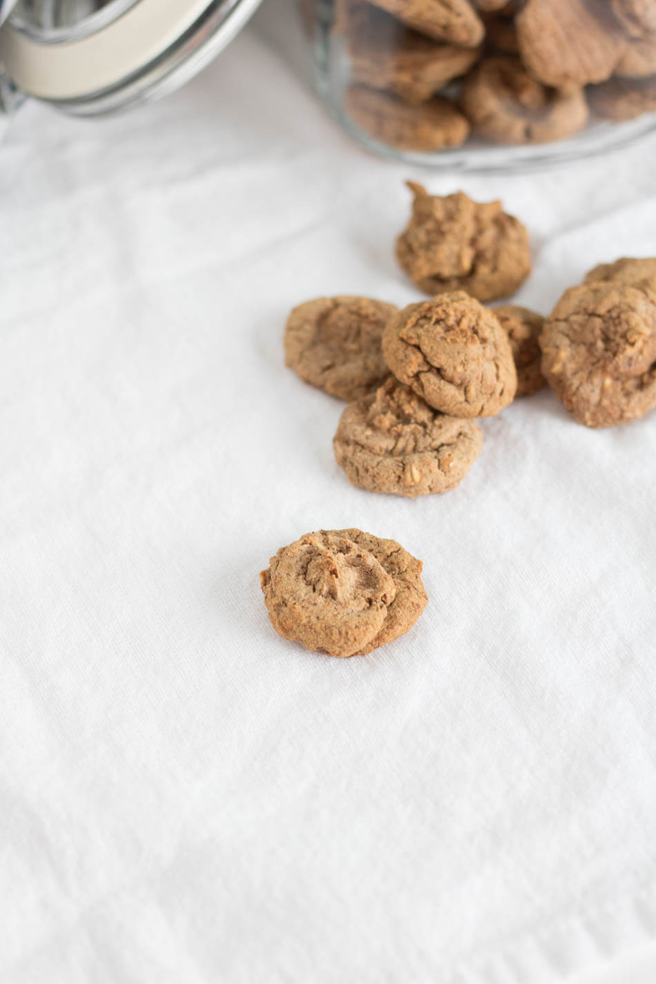 Maple Oat Puppy Treats | www.infinebalance.com #recipe #dog #doggie #dogtreats