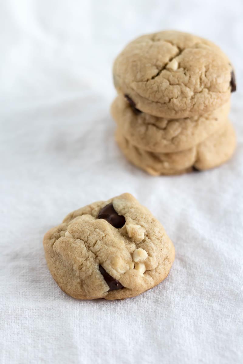 Peanut Butter Chocolate Chip Cookies | www.infinebalance.com #recipe