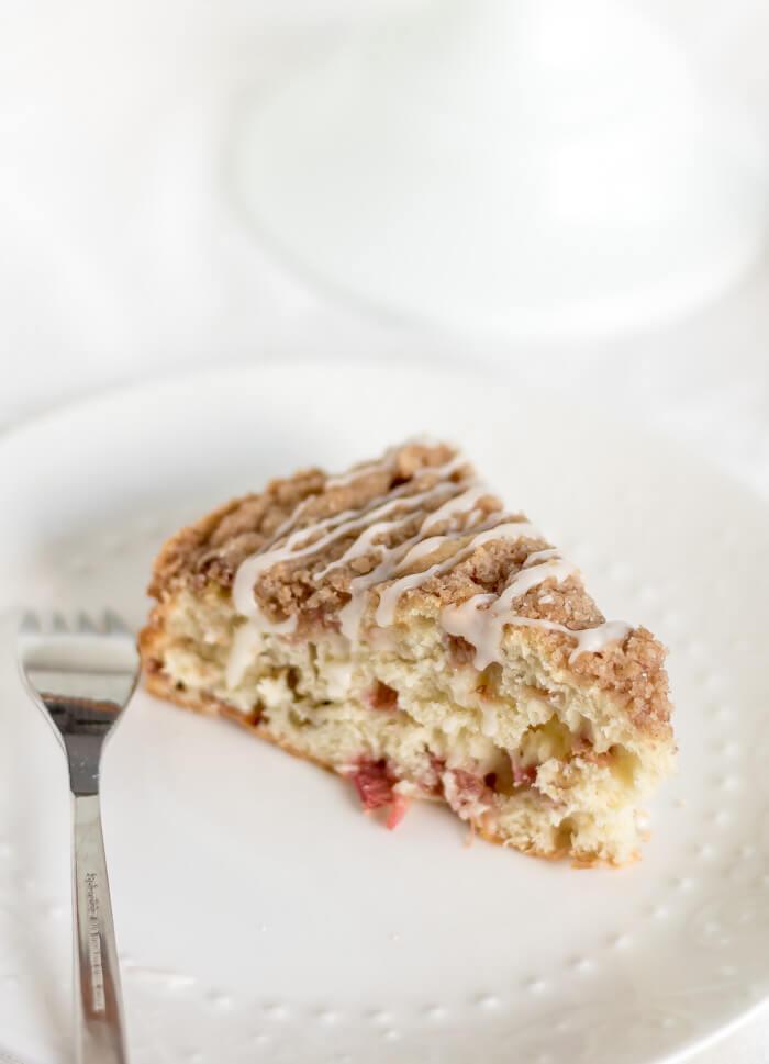 Cinnamon Rhubarb Coffee Cake | www.infinebalance.com #recipe