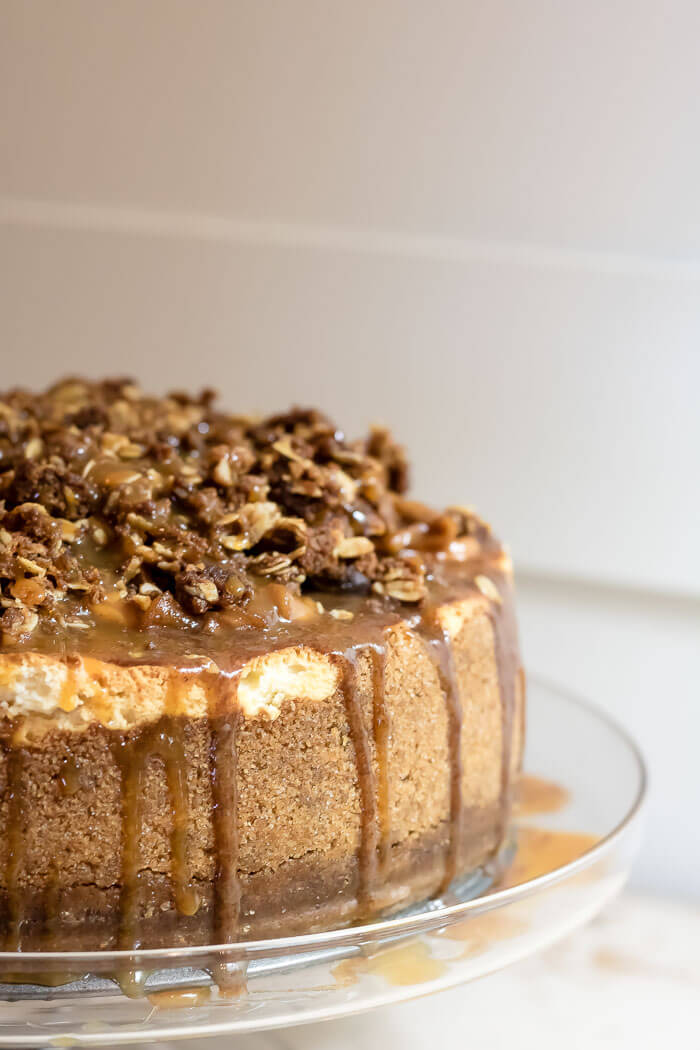 apple cheesecake with caramel