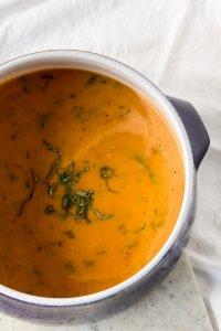 Slow Cooker Creamy Tomato Soup | www.infinebalance.com #recipe