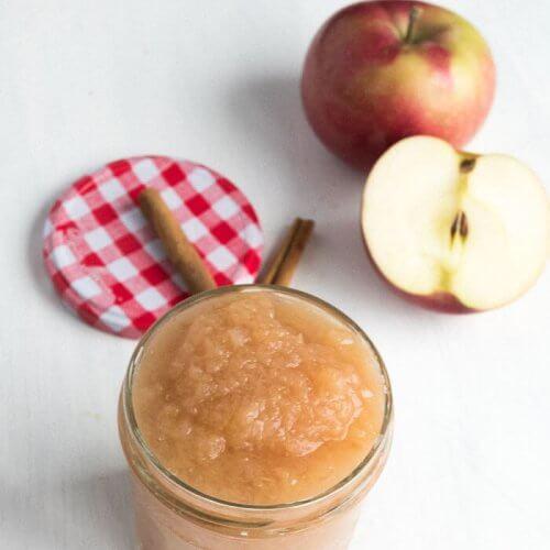 apples sauce in a mason jar with cinnamon