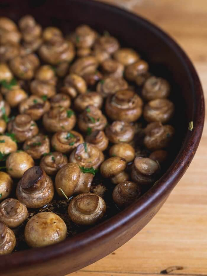 oven roasted mushrooms with garlic and herbs