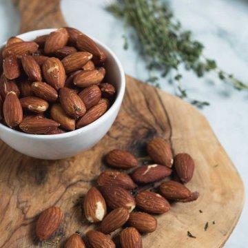 sea salt roasted almonds